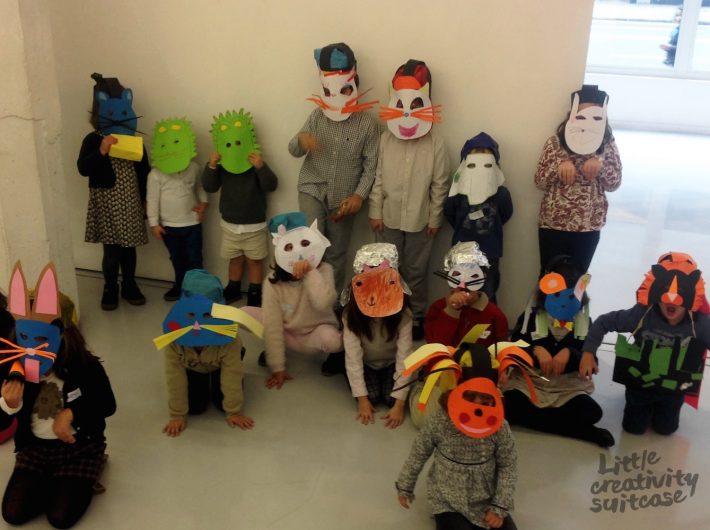 Taller ¿Cómo hacer una máscara de animal? Actividades creativas para niños de Little Creativity Suitcase.